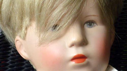 Portrait der Puppe Friedebald
