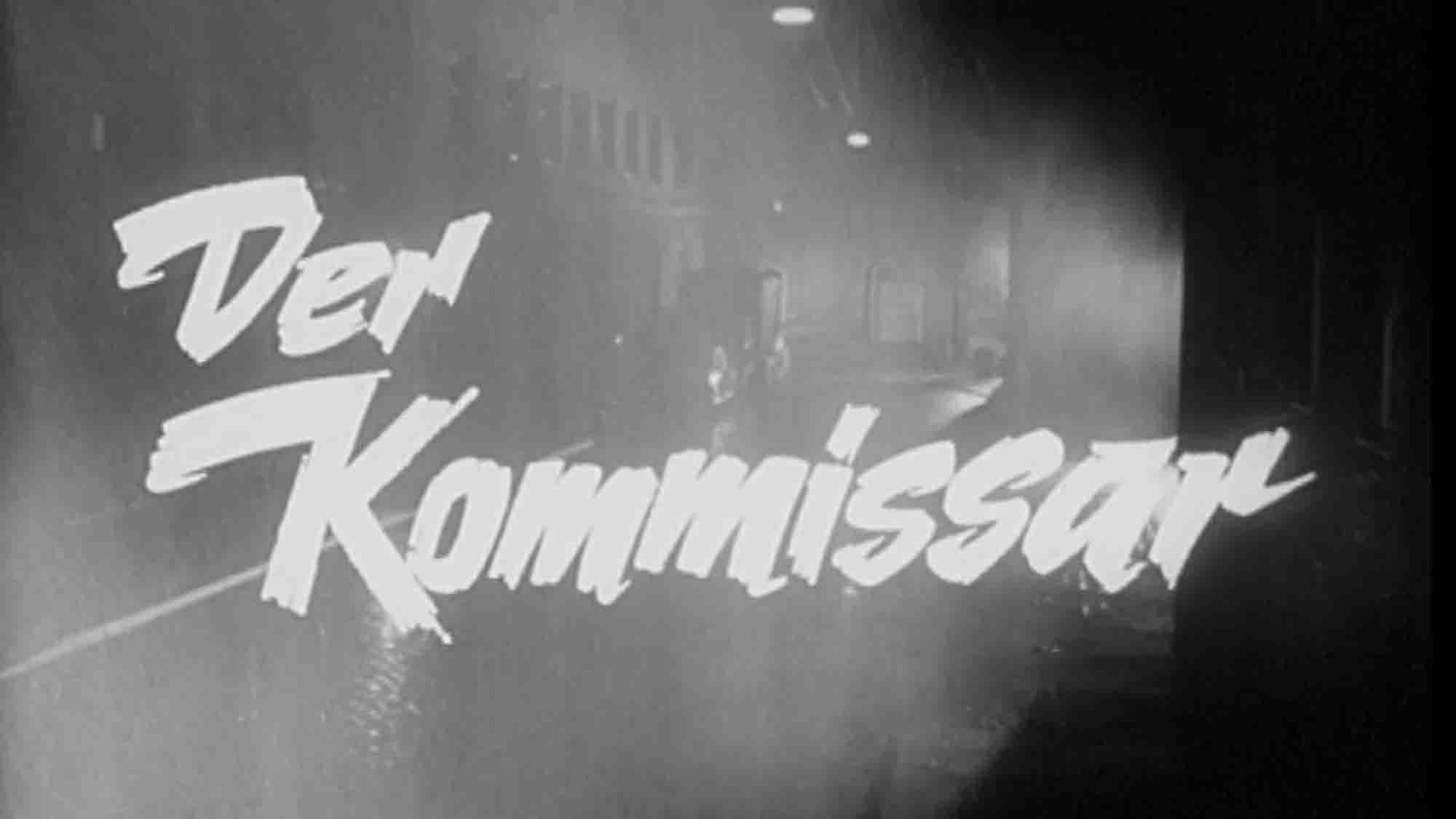 """Schriftzug """"Der Kommissar"""" vor einem schwarz-weißen Szenenbild"""