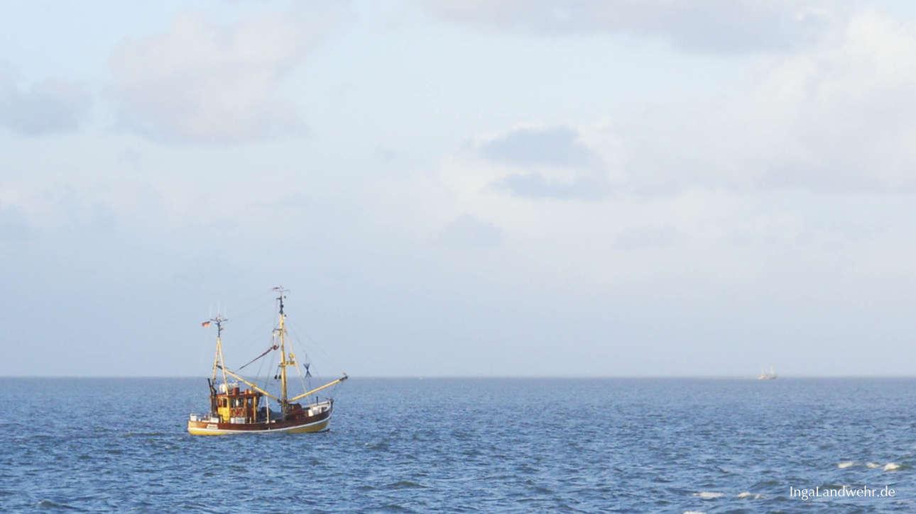 Kutter in der Nordsee vor Langeoog