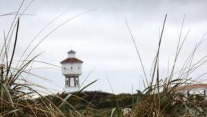Wasserturm auf Langeoog zwischen Dünengras
