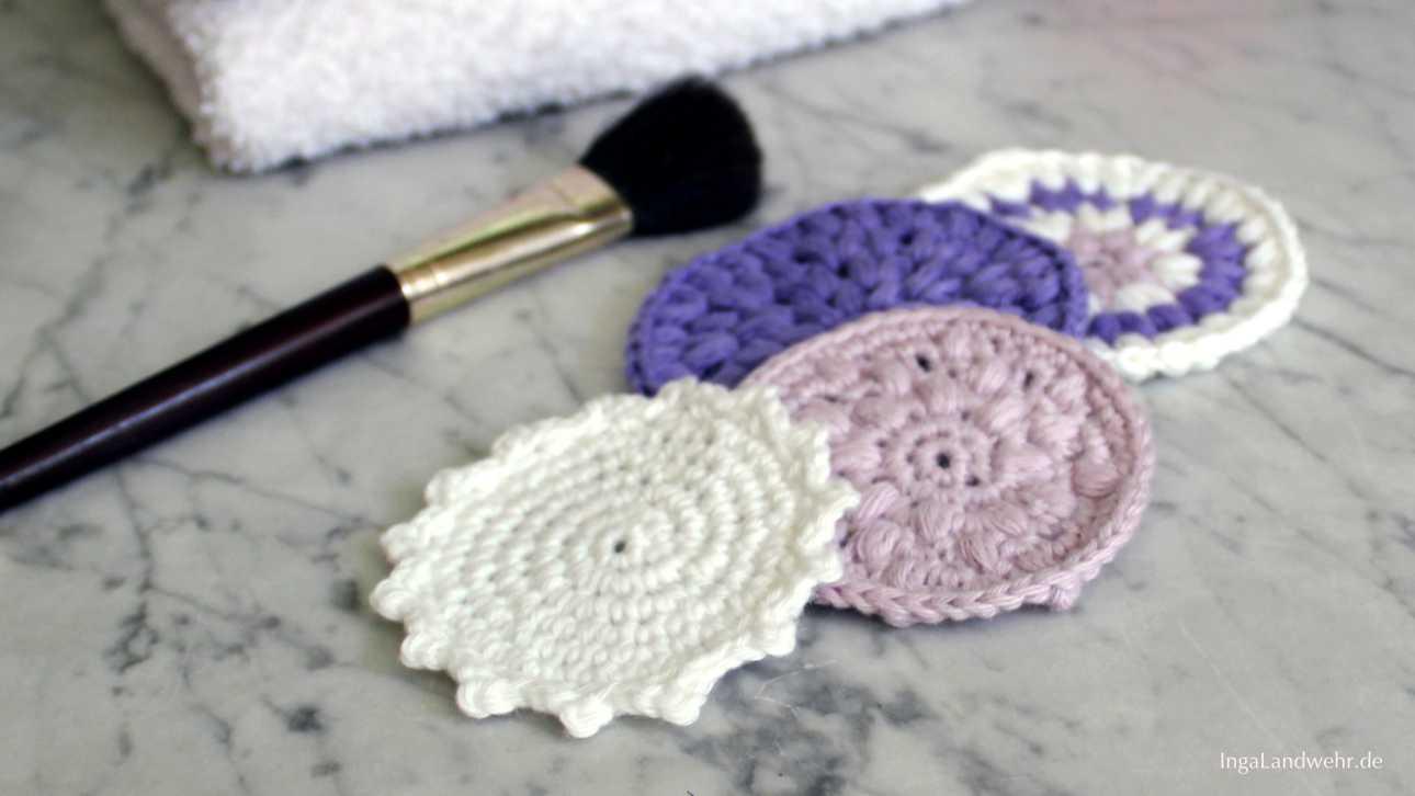 Gehäkelte Kosmetikpads in weiß, rosa und lila