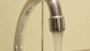 Laufendes Wasser als Symbol für Wasserkosten.